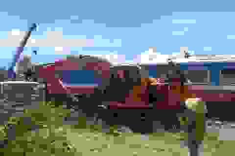Tạm giữ, điều tra tài xế lái máy xúc vụ lật tàu tại Quảng Bình