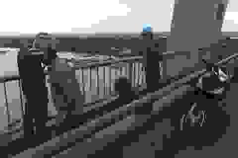 Người đàn ông gieo mình xuống sông Tiền, để lại 2 biên lai viện phí