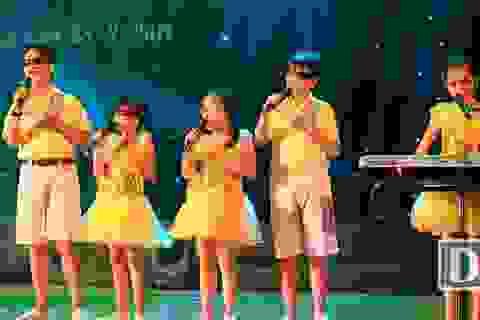 Xúc động tiếng đàn, tiếng hát của học sinh khiếm thị