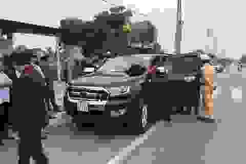 Bắt xe ô tô bán tải chở súng và ma tuý