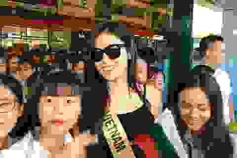 Người hâm mộ vây kín dàn hoa hậu Miss Grand International 2017