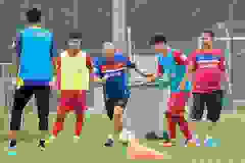 Tranh cãi việc cầu thủ SL Nghệ An sạch bóng ở đội tuyển Việt Nam