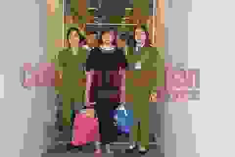 Nguyên cán bộ thanh tra lừa hơn 21 tỷ đồng bị dẫn độ từ Lào về Việt Nam
