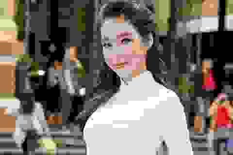 """Elly Trần lần đầu trải lòng thời bỏ học, trở thành """"hot girl ngực khủng"""""""