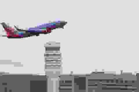 3 sân bay Mỹ tê liệt vì mùi lạ