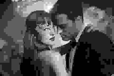 """Khi sao """"đau lòng"""" nhớ lại… nụ hôn đầu"""