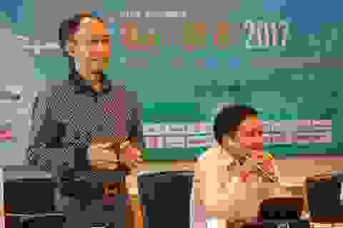 """Chấm Chung khảo Nhân tài Đất Việt 2017: Toát mồ hôi với màn """"hỏi xoáy đáp xoay"""""""