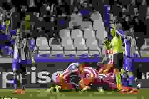 Đội trưởng Atletico Madrid được khen ngợi vì cứu sống Torres