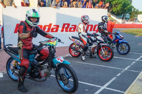Giải đua xe Honda Việt Nam 2017 tại Bà Rịa: Gay cấn, kịch tính, máu lửa