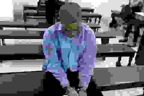 Quấy khóc đòi sữa mẹ, bé trai 2 tuổi bị kẻ 4 tiền án tát tử vong