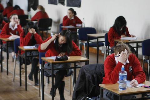 Đố bạn làm bài thi tiếng Anh vào trường chuyên ở vương quốc Anh