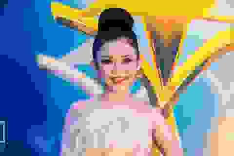 Hoa hậu Janny thuỷ Trần xuất hiện ấn tượng trên thảm đỏ Ngôi Sao Xanh