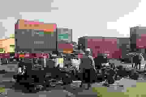 Hàng cấm nhập khẩu bị bắt hàng loạt tại cảng Cát Lái