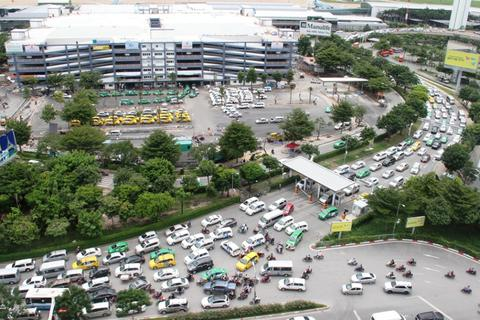 """Đề xuất làm đường trên cao """"giải cứu"""" sân bay Tân Sơn Nhất"""