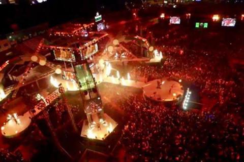 Tín đồ EDM chạm vào âm nhạc tại Đà Nẵng