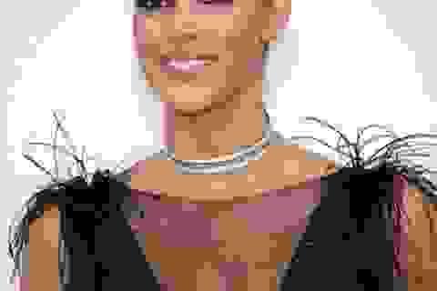 Hoa hậu hoàn vũ toả sáng tại Cannes