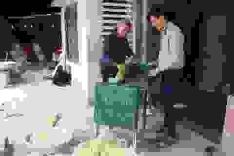 Chàng trai 8X đam mê chế tạo máy giúp nhà nông