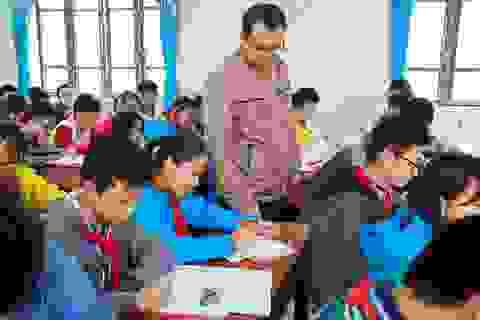 Hỗ trợ hơn 240 triệu đồng tới giáo viên nghèo đón Tết Nguyên đán