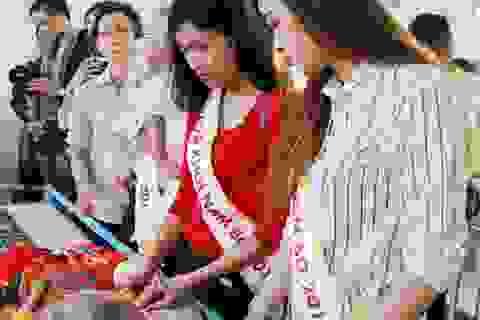 Người đẹp Hoa khôi Nam Bộ xúc động thăm những mảnh đời bất hạnh