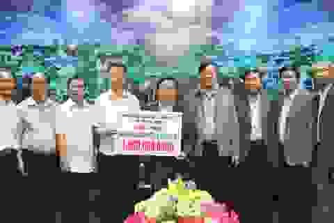 Cán bộ, nhân dân TP.HCM hỗ trợ 1 tỷ đồng cho vùng bão Quảng Trị