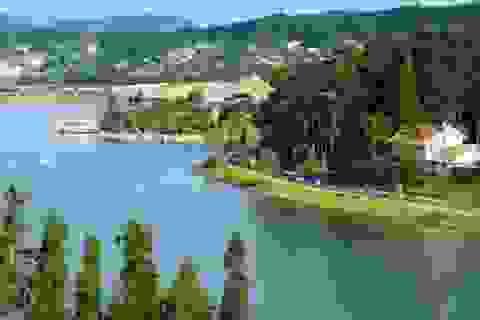 Thăm thú vẻ đẹp của những hồ nước trải dọc 3 miền