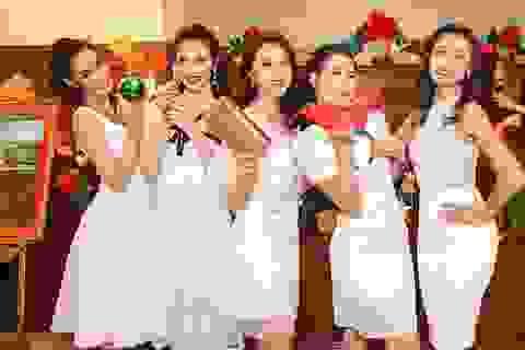 Thí sinh Hoa hậu Hoàn Vũ Việt nam lung linh trong bộ ảnh đón chào Giáng sinh và năm mới