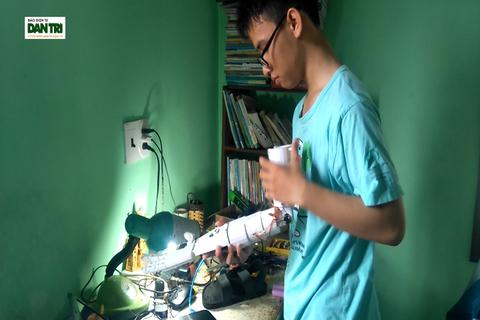 Sáng 13/5, nam sinh Quảng Trị dự thi khoa học quốc tế tại Mỹ được phỏng vấn visa lần 3