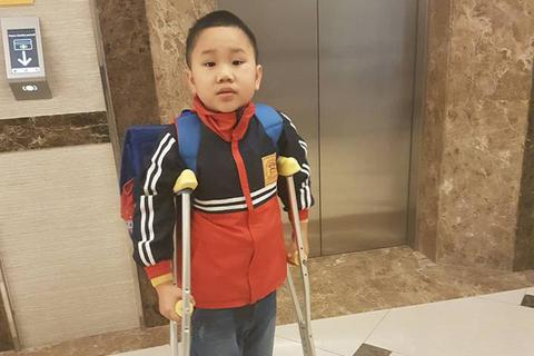 Học sinh gãy chân ở Trường Nam Trung Yên ngày đầu trở lại lớp