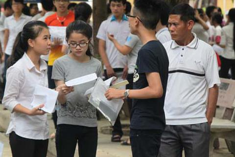 Hỗ trợ tiền giúp thí sinh khó khăn dự thi THPT quốc gia
