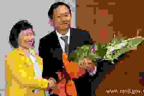 Đề nghị miễn nhiệm các chức vụ của Thứ trưởng Hồ Thị Kim Thoa