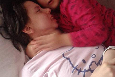 Kinh ngạc người mẹ hôn mê 7 năm tỉnh dậy gặp con
