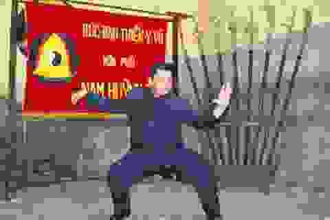 """Nam Huỳnh Đạo khẳng định không có công phu """"truyền điện"""""""