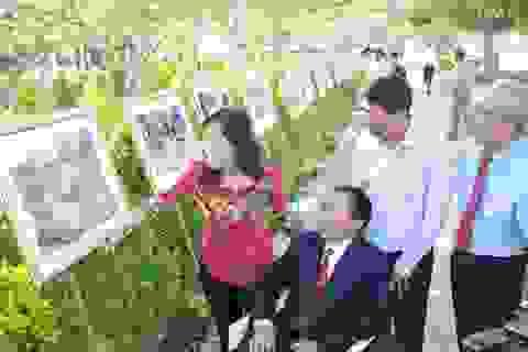 Triển lãm ảnh kỷ niệm 42 năm giải phóng miền Nam