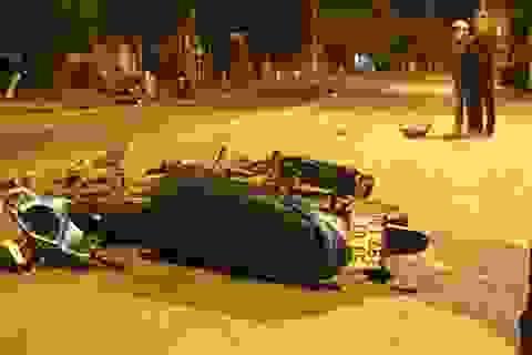 2 xe máy đấu đầu, 2 người thương vong