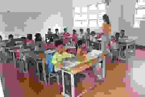 Hơn 1.000 học sinh nghèo chưa được nhận hỗ trợ chi phí học tập