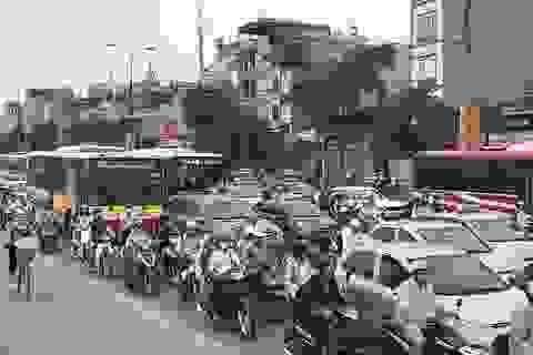 Vã mồ hôi tìm lối thoát ở cửa ngõ phía Nam Hà Nội