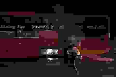 Hành khách hoảng loạn khi xe giường nằm bốc cháy