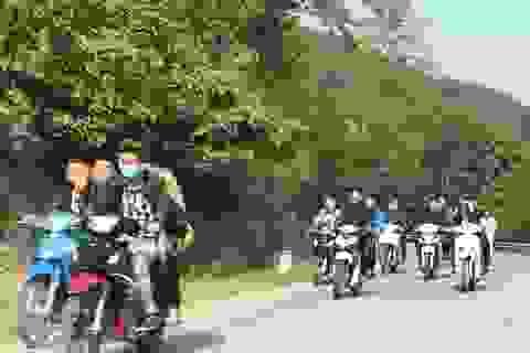 Ngày Tết nhan nhản cảnh người tham gia giao thông không tuân thủ luật