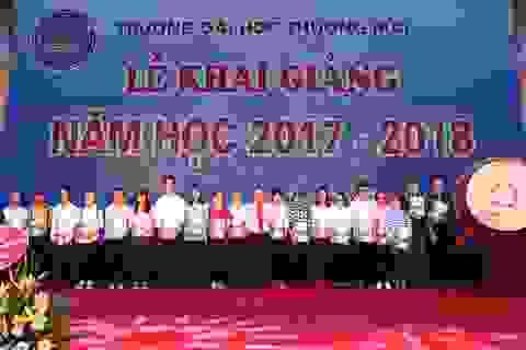 ĐH Thương Mại trao gần 4 tỷ đồng học bổng cho tân sinh viên trong Lễ khai giảng
