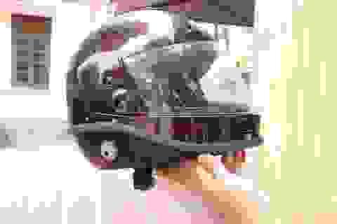 """Mũ bảo hiểm tự cầu cứu, tự lọc không khí """"made in Việt Nam"""""""