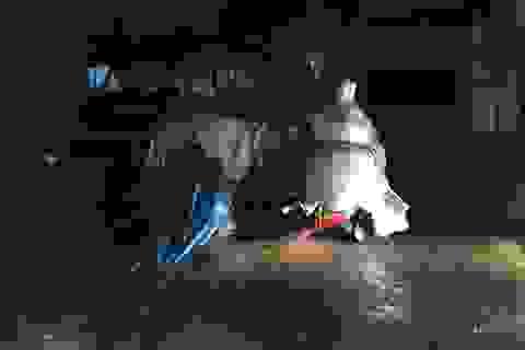 Mưa như trút trong đêm, nhiều tuyến phố Sài Gòn ngập nước