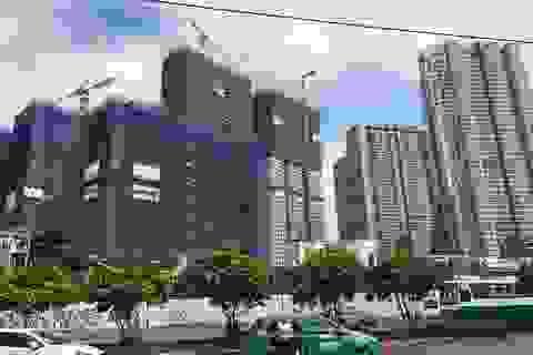 """Kinh tế tăng trưởng cao, bất động sản thành """"ngư ông đắc lợi"""""""