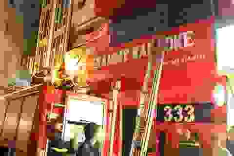 Hà Nội: Quán karaoke bốc khói, cả khu phố náo loạn