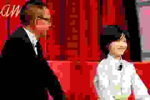 Cậu bé 8 tuổi khiến MC Lại Văn Sâm sửng sốt khi vừa bịt mắt vừa... đánh piano