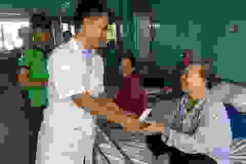 """Niềm vui bất ngờ đến với các nữ bệnh nhân trong ngày của """"phái đẹp"""""""