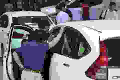 Làn sóng giảm giá ô tô: Hãng xe và người tiêu dùng chơi trò kéo co