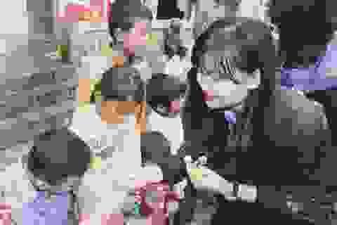 Sinh viên Nghệ Tĩnh mang hơi ấm cho bà con dân tộc Chứt