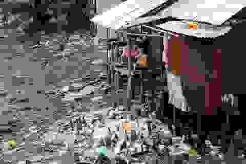 """Cận cảnh nơi người Sài Gòn """"ăn cùng rác, ở cùng rác"""""""
