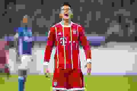 "James Rodriguez ghi bàn đầu tiên, Bayern Munich ""vùi dập"" Schalke"