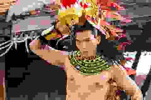 Trang phục dân tộc của Ngọc Tình tại Manhunt được báo chí Thái Lan ca ngợi